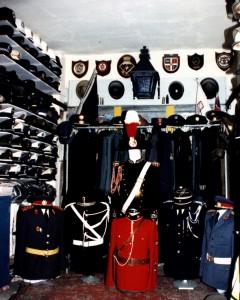 Parti mill-kollezzjoni - brieret u uniformijiet
