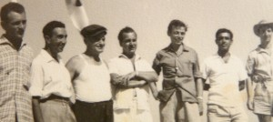 Uħud mill-membri tal-kamp (il-Maġġur  Clews fin-nofs)