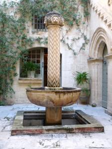 Il-bitħa f'Palazzo Falson