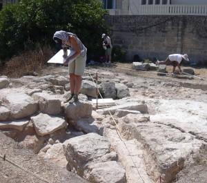 Studenti tal-arkeoloġija