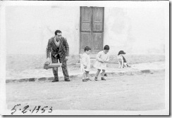 A prisoner playing with Franca's children