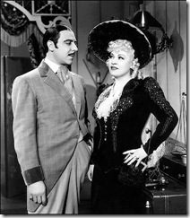 Joseph Calleia ma' Mae West fil-film 'The iron mistress'