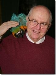 Il-Markiz Nicholas De Piro mal-pappagall tieghu Kiku (Ritratt - Patrick J Fenech)