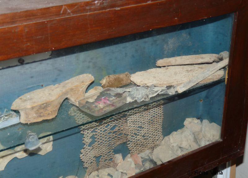 Figura 14. Sezzjoni mill-armarju li bhalissa l-oggetti misjuba huma mizmuma fih..JPG
