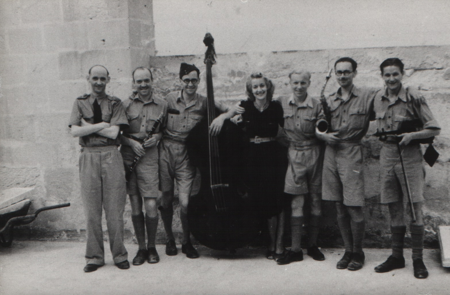 Christina Ratcliffe with Wing Commander Adrian Warburton and her orchestra (Photo - Heritage Malta).jpg