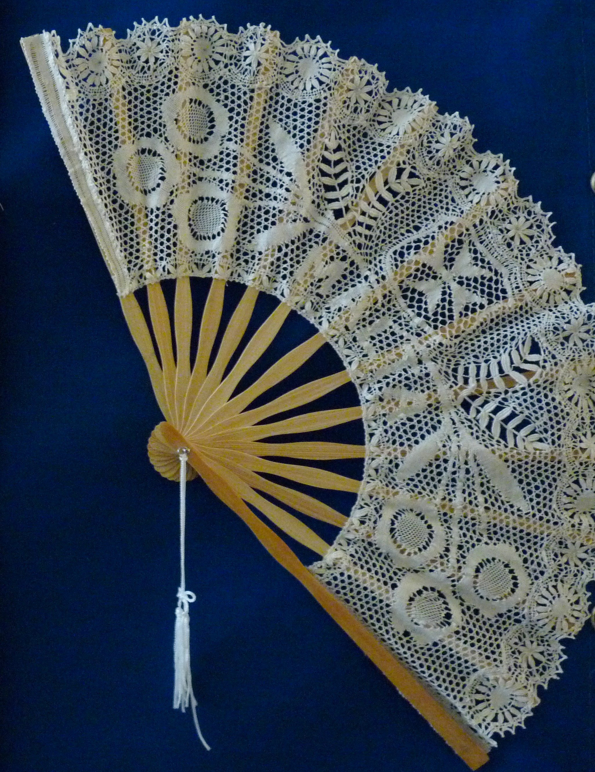 A fan in Maltese lace (Photo - Fiona Vella).JPG