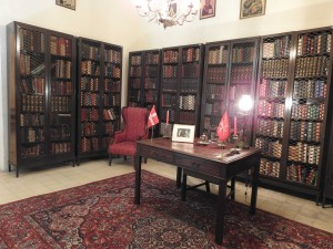 Library at Palazzino Sapienti (Photo - Fiona Vella)